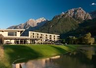 Die Dolomitengolf Suites liegen direkt am Golfplatz mit Blick auf die Lienzer Dolomiten