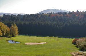 Das 11. Grün des GC Bayerwald in Poppenreuth.